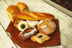 全日空が機内食のパンを自社製に!?