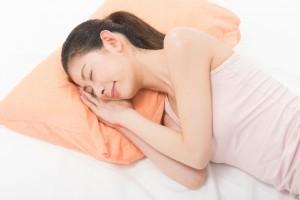 枕が変わると眠れないのには理由があった!!